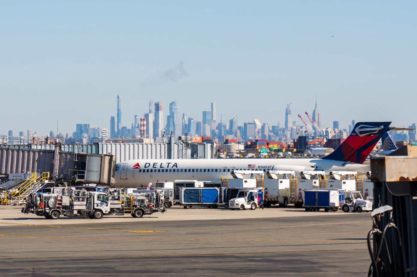 达美航空削减运力40%