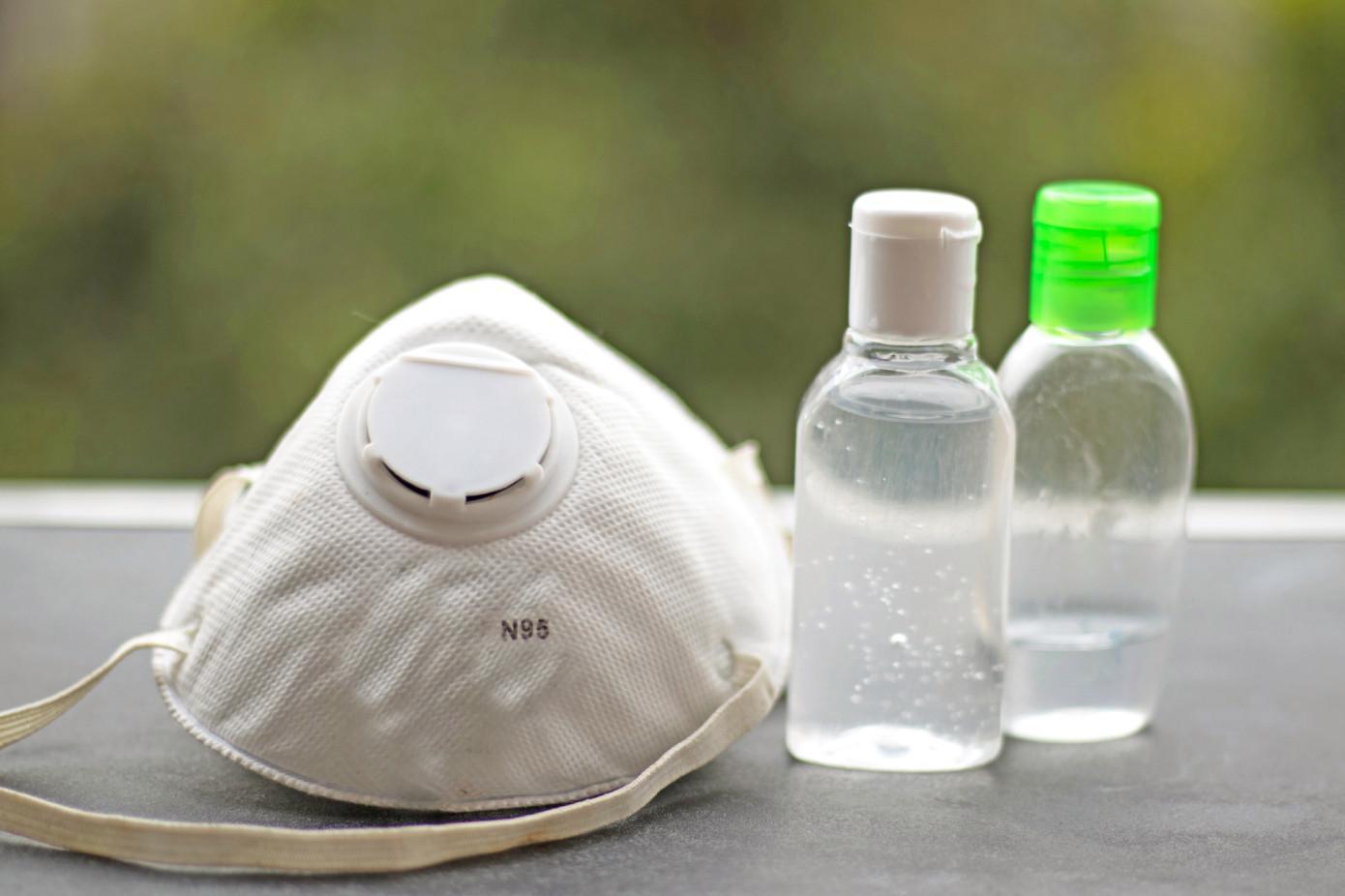 杜克大学使用汽化的过氧化氢清洁N95口罩以重复使用
