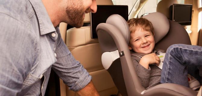 炎炎夏日 车内儿童安全的问题不容忽视