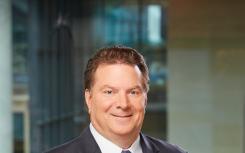 埃德 劳克斯从丰田汽车北美公司退休